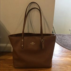 Coach Leather Tote AMAZING CONDITION